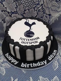 tottenham-hotspur-birthday-cake.jpg