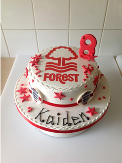 Nottingham Forest Football Cake
