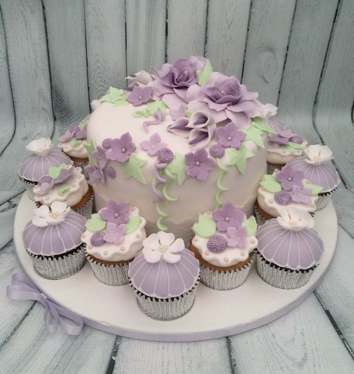 Celebration Cake with Cupcakes